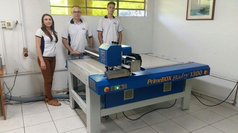 Fabricante maquina de corte e vinco para caixa de papelão