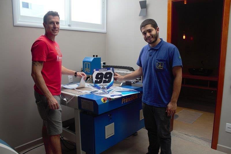 Maquina de corte e vinco digital