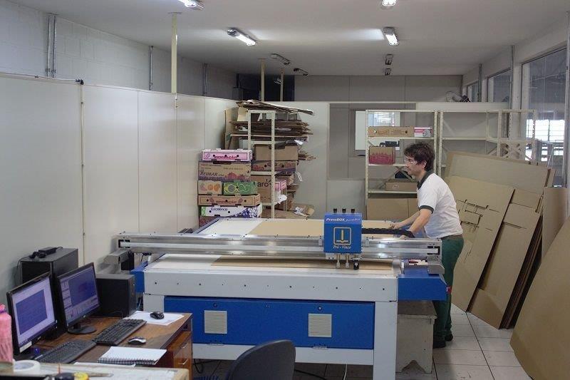 Mesa de corte para embalagens